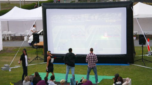 inflatable movie screen for console games